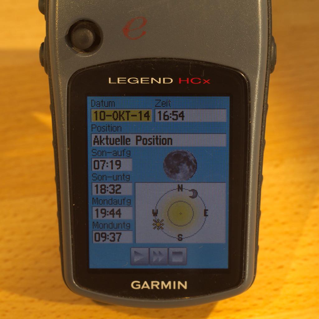 GPS Garmin eTrex mit Anzeige des Sonnenuuntergangs